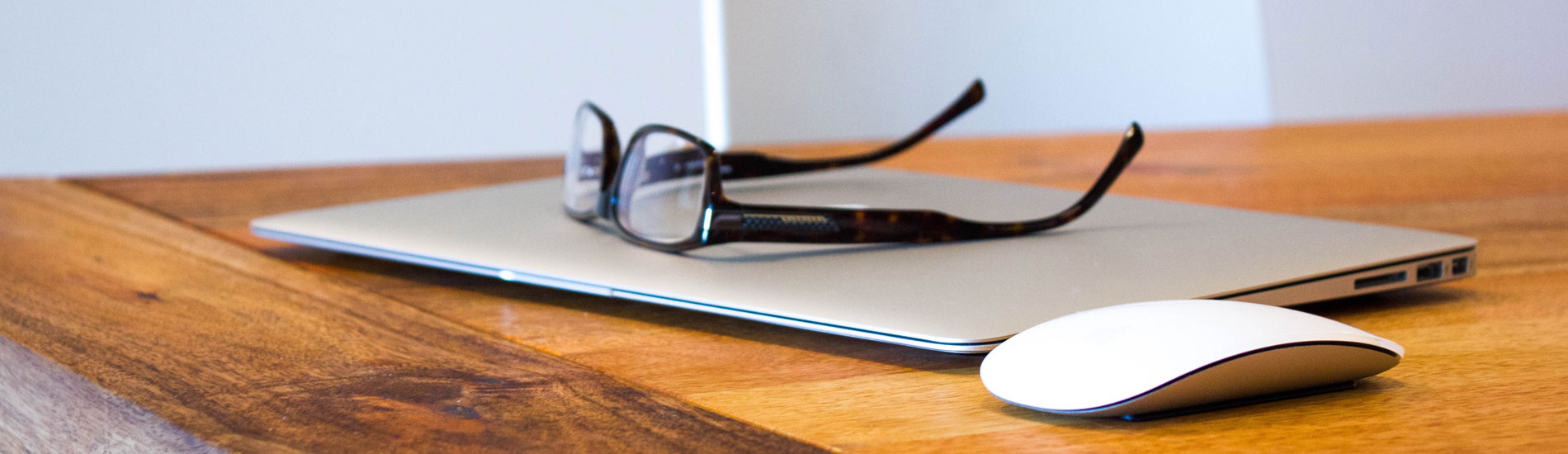 WEB制作やCakePHPやCentOS7など幅広く作業可能です。